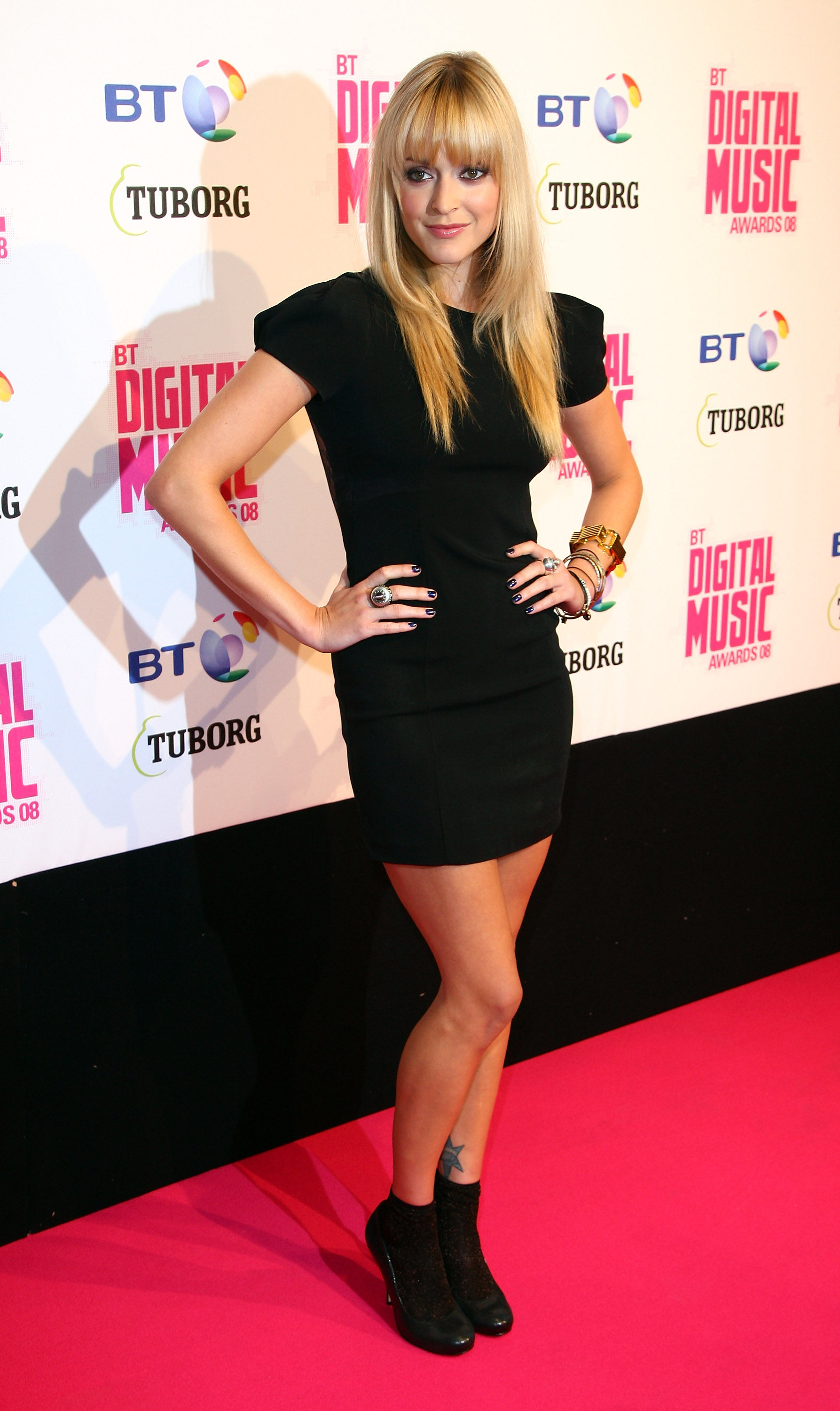 02221_Celebutopia-Fearne_Cotton_arrives_at_the_BT_Digital_Music_Awards_2008-02_122_1161lo.jpg