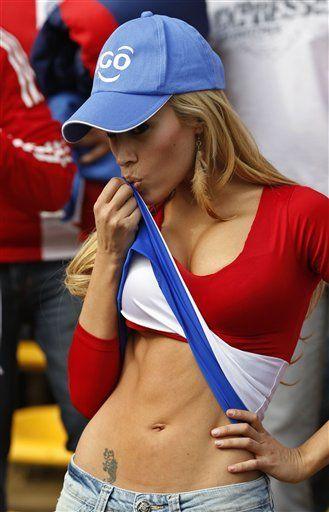 501885855_tduid2346_Busty_Blonde_Paraguay_fan_kanoni_5_122_144lo.jpg