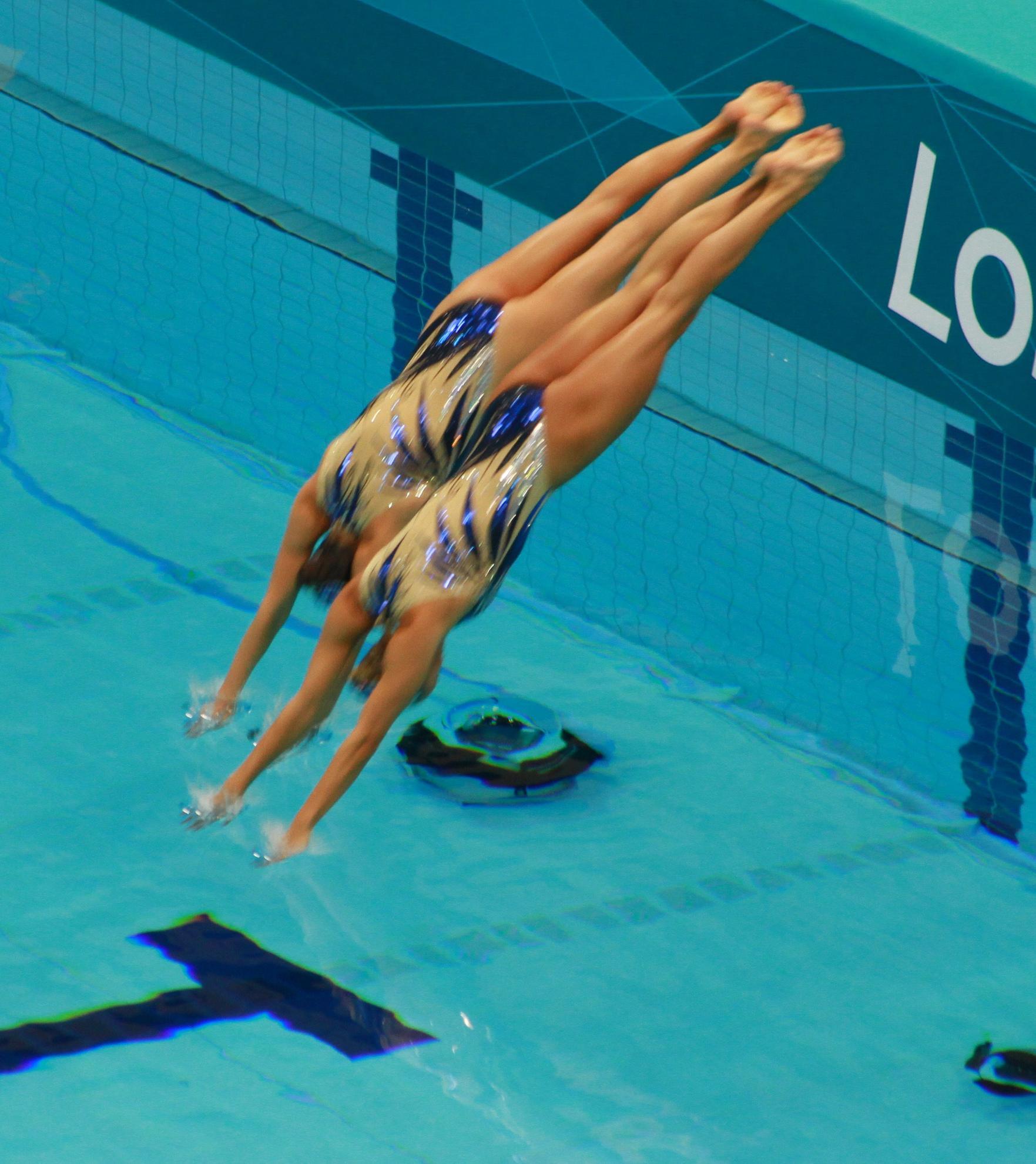 547009111_GreatBritainSynchronisedSwimming24_122_419lo.jpg