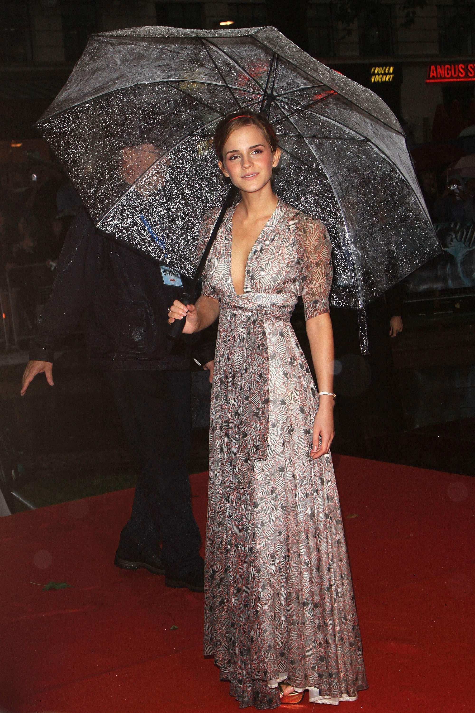 52014_Emma_Watson_HPaTHBP_premiere_in_London04076_122_167lo.jpg