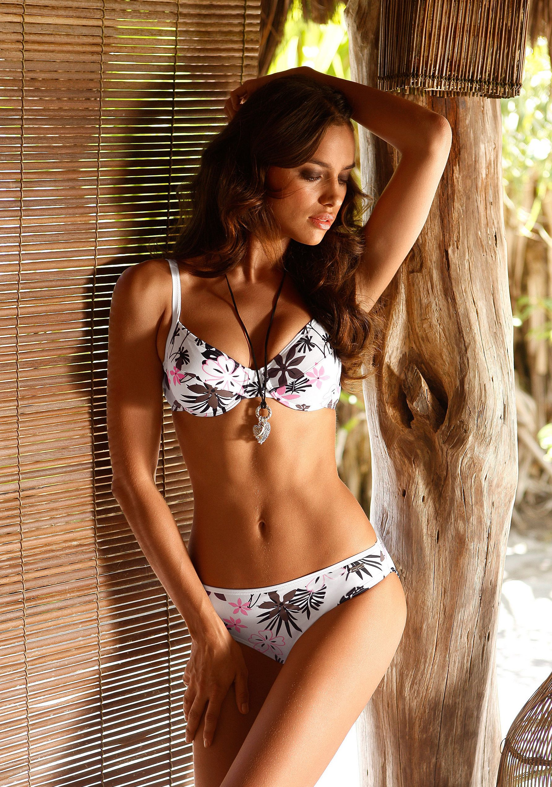 09189_Irina_Sheik_Lascana_Swimwear_Lingerie_Photoshoot23_122_230lo.jpg