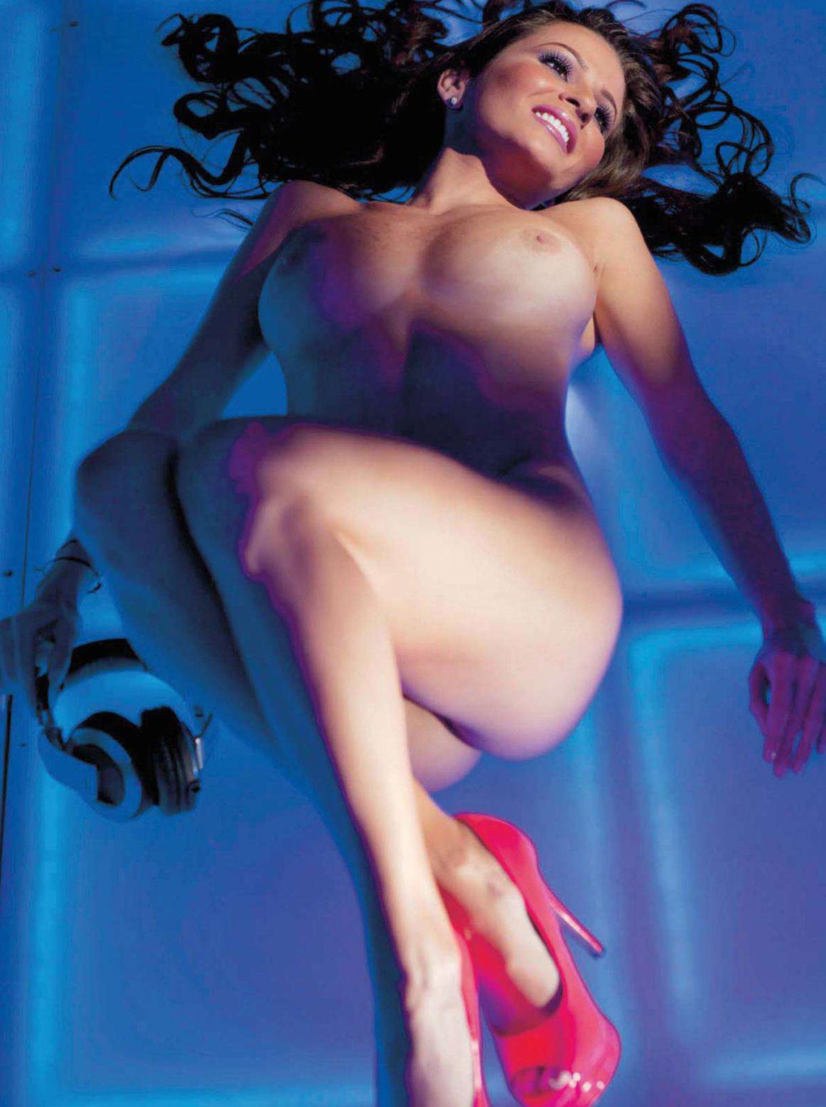 36701_septimiu29_DJAgniezka_PlayboyVenezuela_Sept201211_123_439lo.jpg