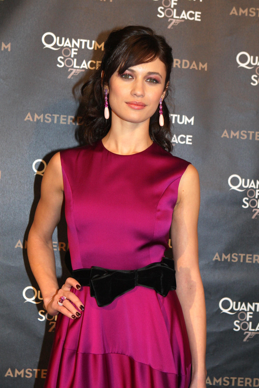 02583_Celebutopia-Olga_Kurylenko-Quantum_of_Solace_premiere_in_Amsterdam-04_122_785lo.jpg