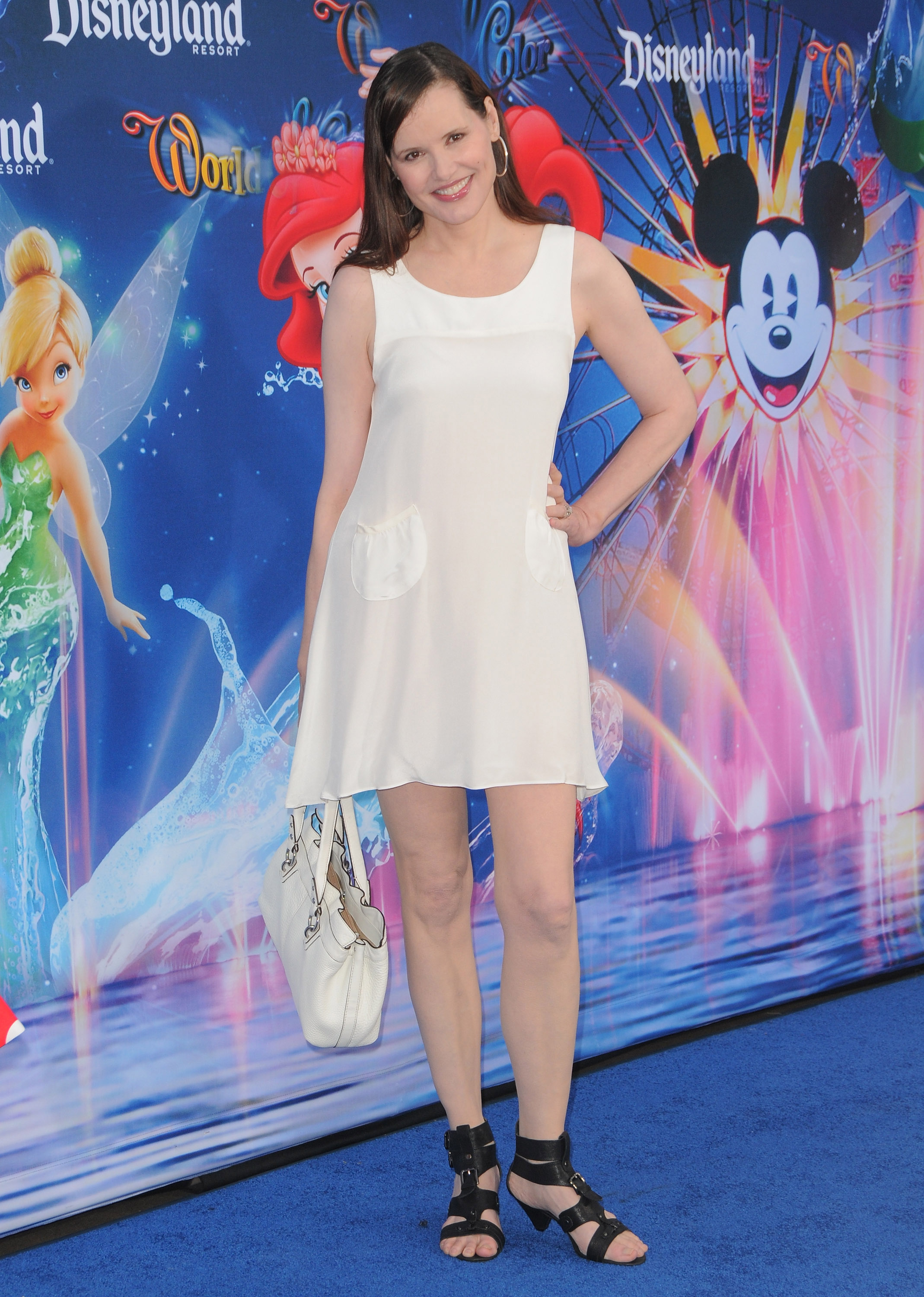64492_GeenaDavis_world_of_color_disneyland_debut_16_122_567lo.jpg