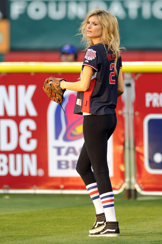 38033_Marisa_Miller_MLB_All_Star_Celebrity_Softball_Game_4_122_70lo.jpg