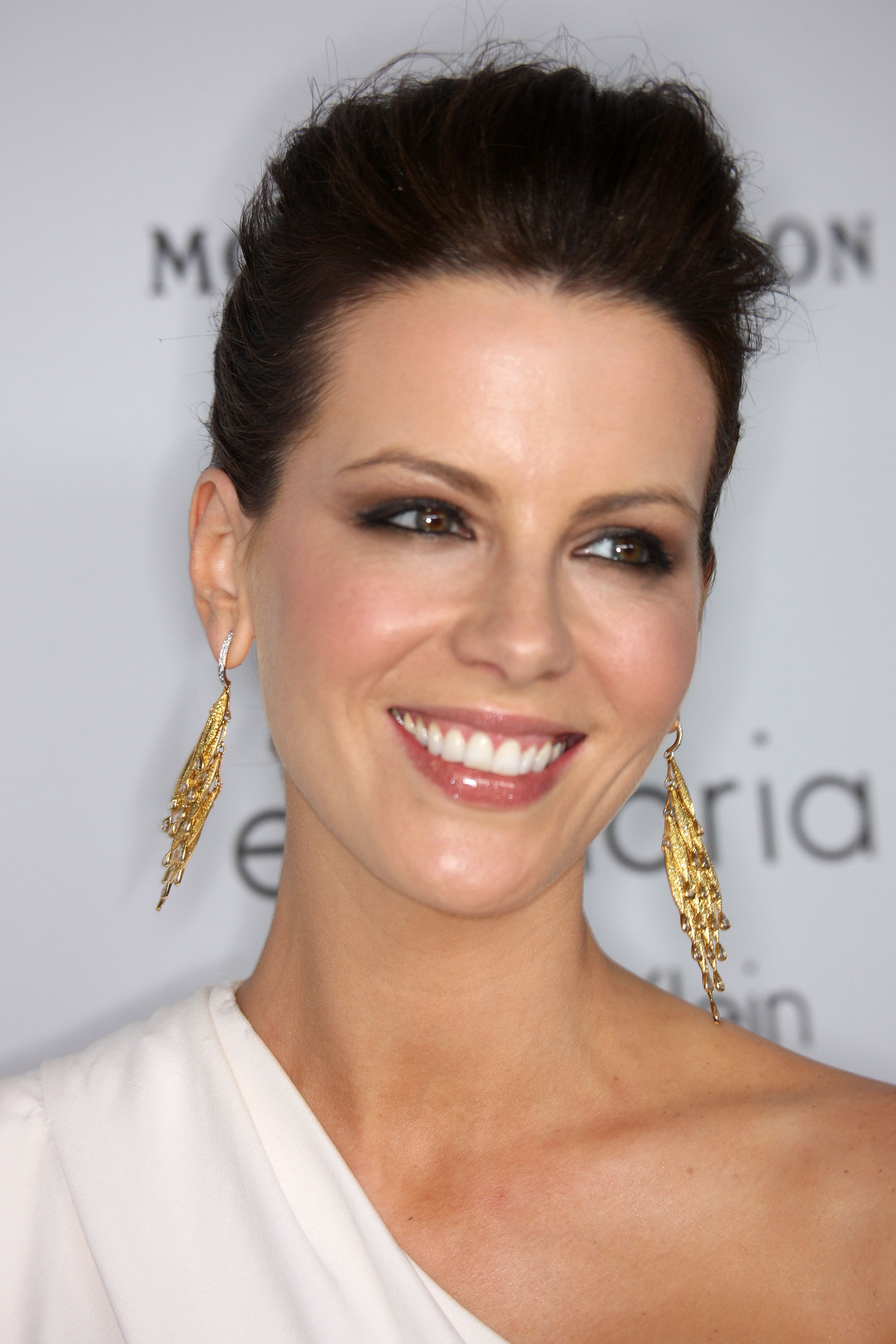 58999_Celebutopia-Kate_Beckinsale-15th_annual_Women_In_Hollywood_Tribute_-03_122_1171lo.jpg