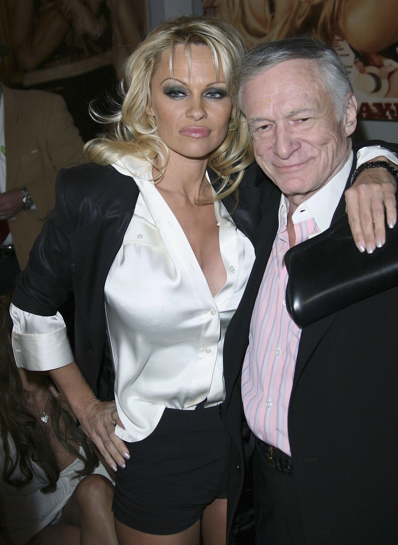 49788_celeb_city.eu_Pamela_Anderson_Playboy_Legacy_Collection_Launch_04_123_351lo.jpg