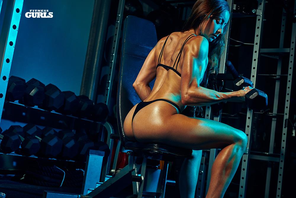 781651339_stephanie_marie_fitness_gurls_10_122_537lo.jpg