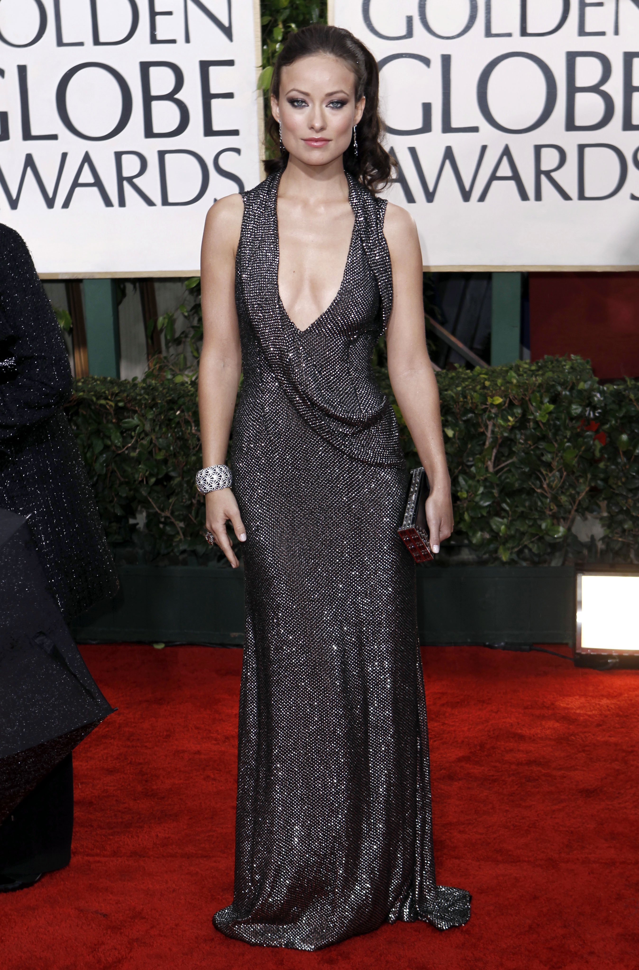 78425_Olivia_Wilde_arrives_at_the_67th_Annual_Golden_Globe_Awards-7_122_1085lo.jpg