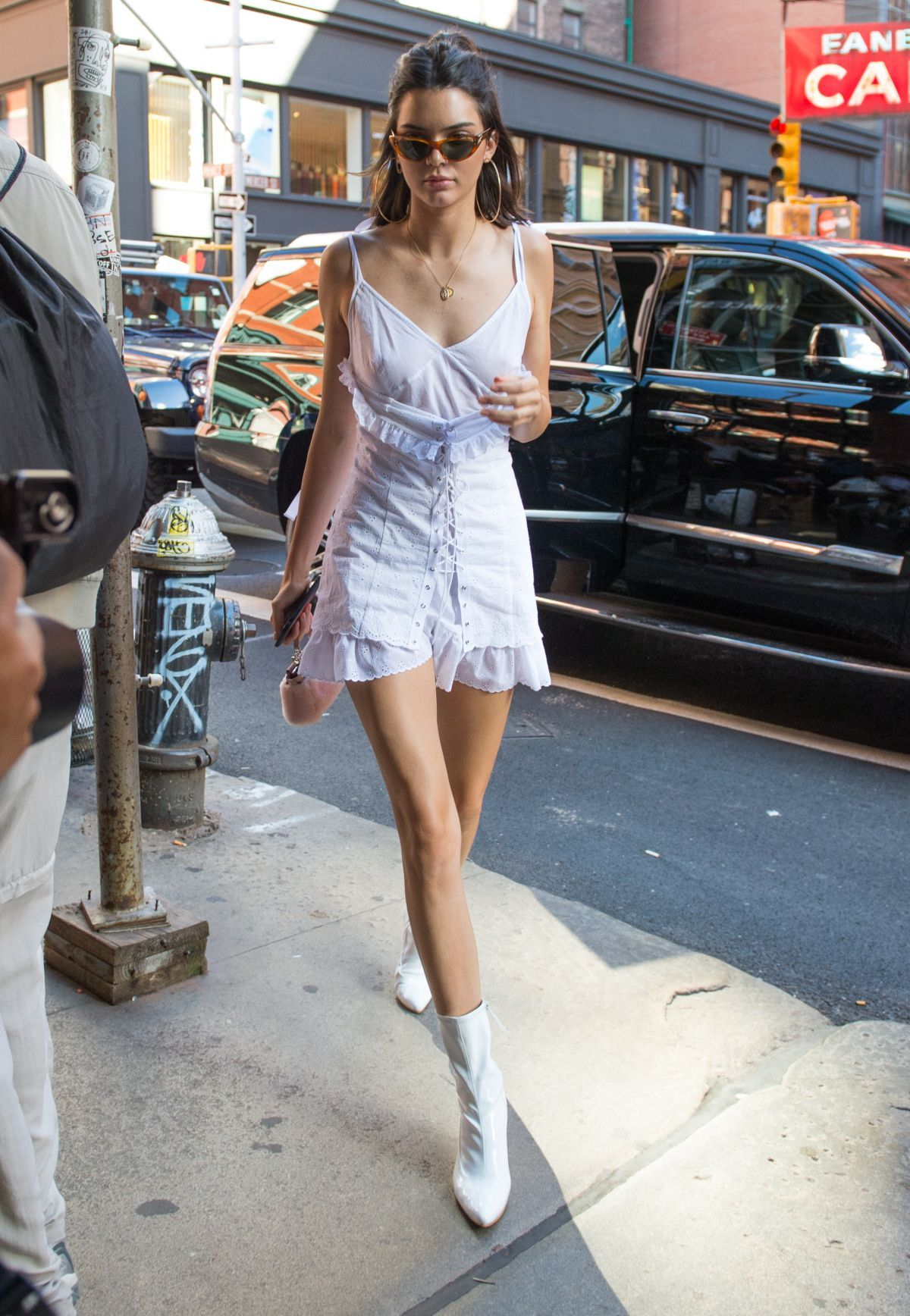 038099234_Kendall_Jenner_See_Through_10_thefappeningblog.com__123_594lo.jpg