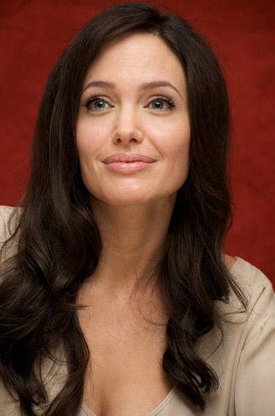 09800_Celebutopia-Angelina_Jolie-Vera_Anderson_portraits_session-20_122_1070lo.jpg