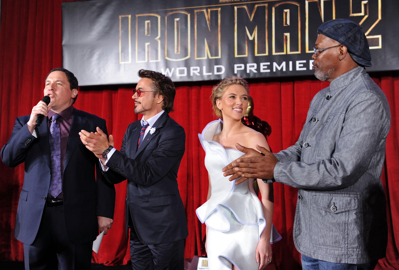 50408_celebrity_paradise.com_Scarlett_Johansson_Iron_Man_2_World_Premiere_in_Hollywood_26.04.2010_03_122_433lo.jpg