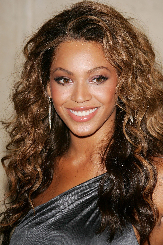 94692_Beyonce_Knowles_Loreal_Legends_Gala_Benefit_01_123_487lo.jpg