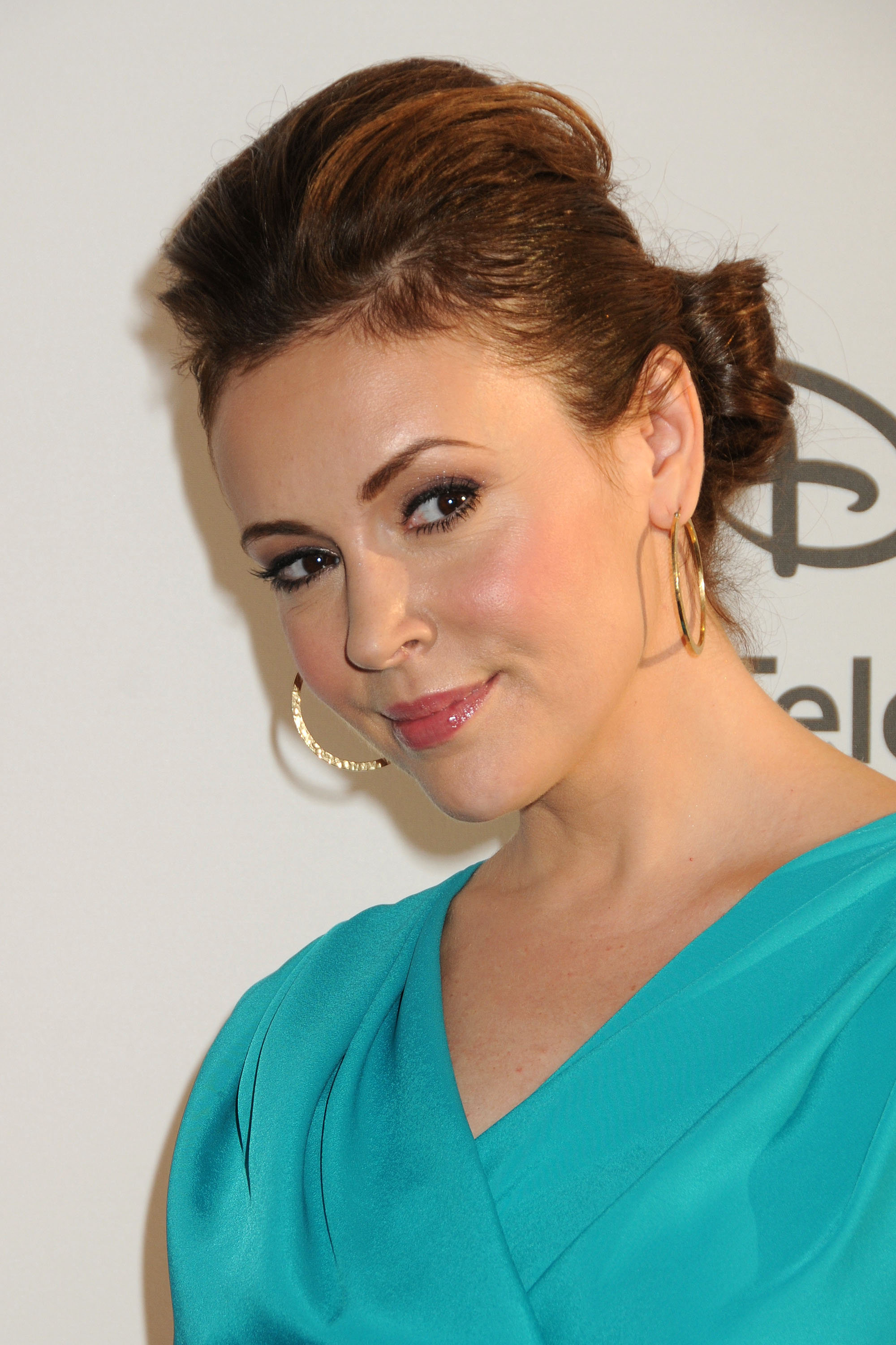 665974223_Alyssa_Milano_Disney_Media_Networks_International_Upfronts2_122_76lo.jpg
