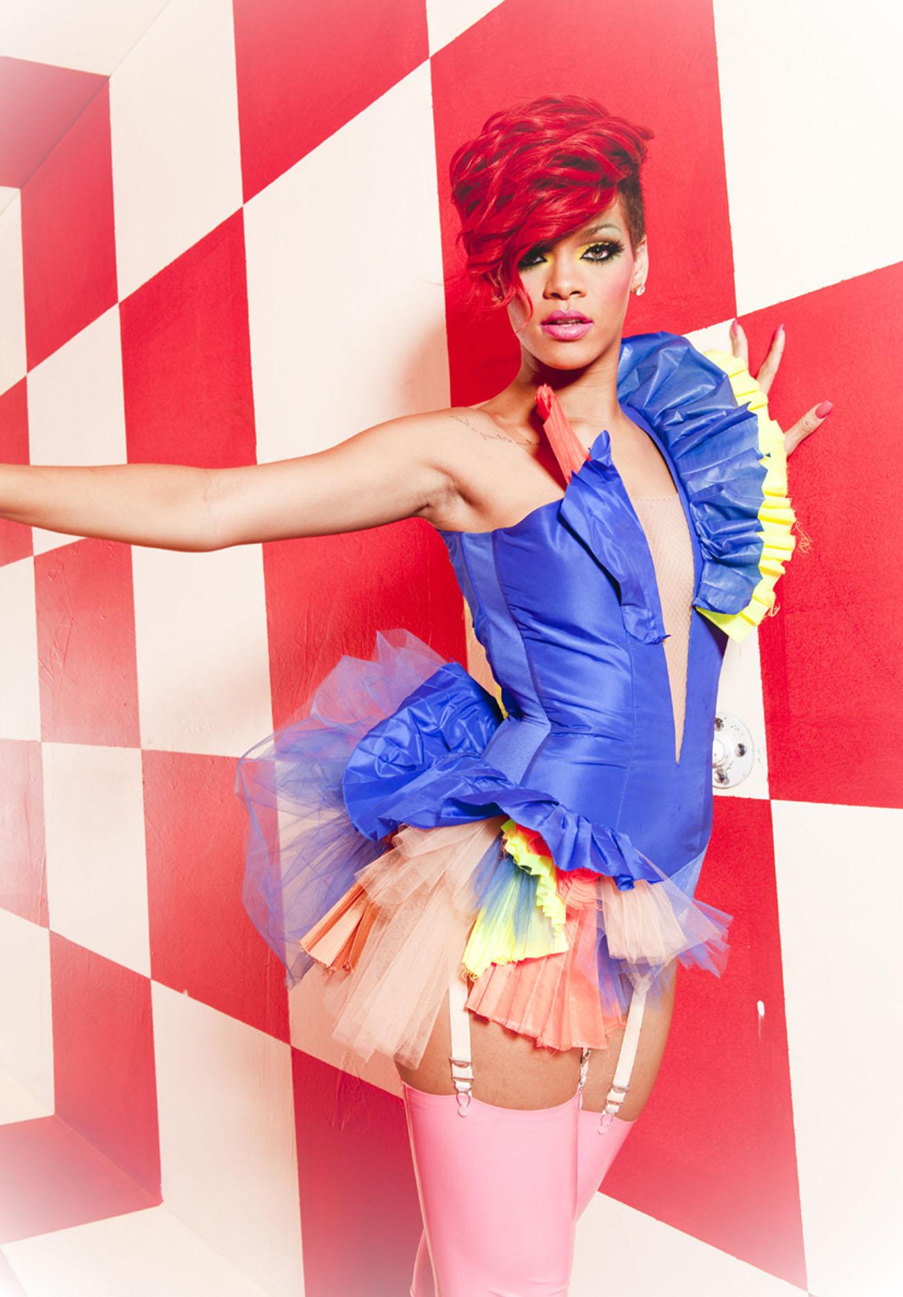 64752_RihannaWhosThatChickShoot2_122_1200lo.jpg