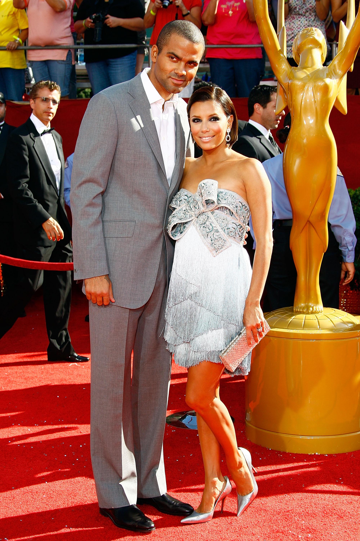 42532_Celebutopia-Eva_Longoria_arrives_at_the_60th_Annual_Primetime_Emmy_Awards-10_122_797lo.jpg