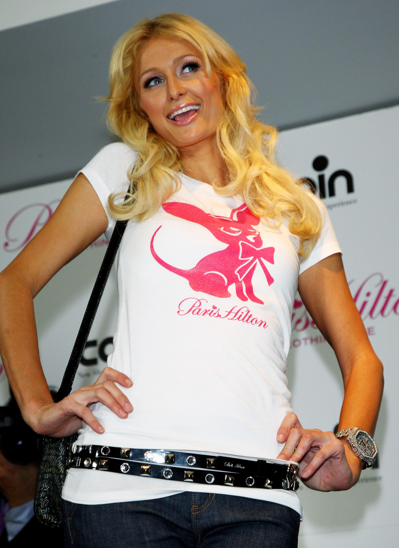 11146_Celebutopia-Paris_Hilton-Launch_of_Paris_Hilton_clothing_line-15_122_827lo.jpg