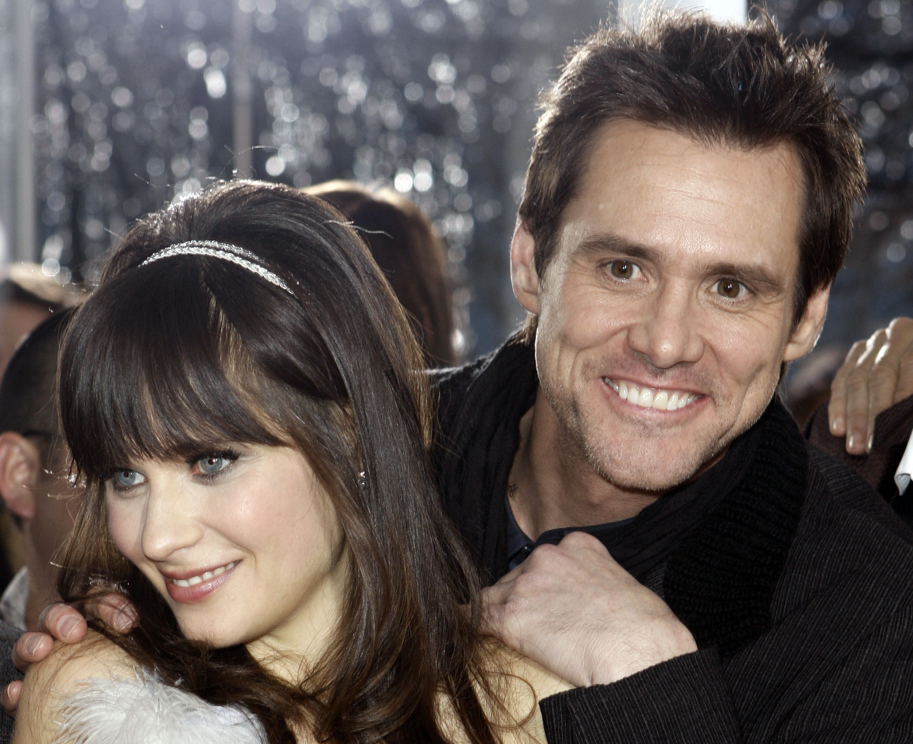 88821_Zooey_Deschanel_-_Premiere_of_3Yes_Man6_CU_ISA_04_122_1028lo.jpg