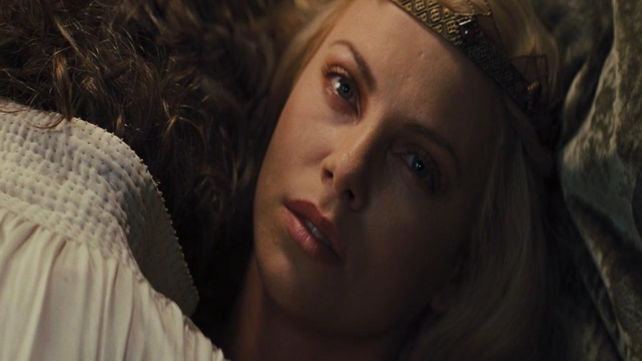 470361370_Charlize_Theron_Snow_White_And_The_Huntsman_avi4_122_736lo.jpg