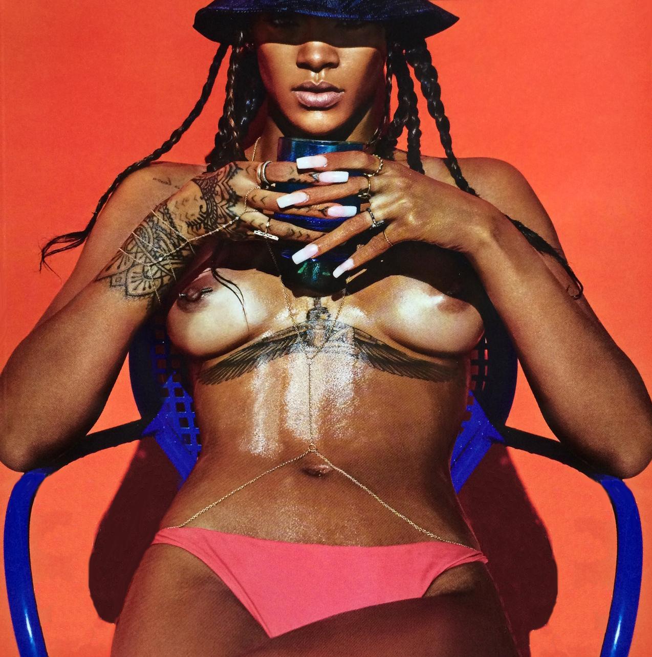 875434430_Rihanna_LuiMagazineFrance_2014_005_123_843lo.jpg