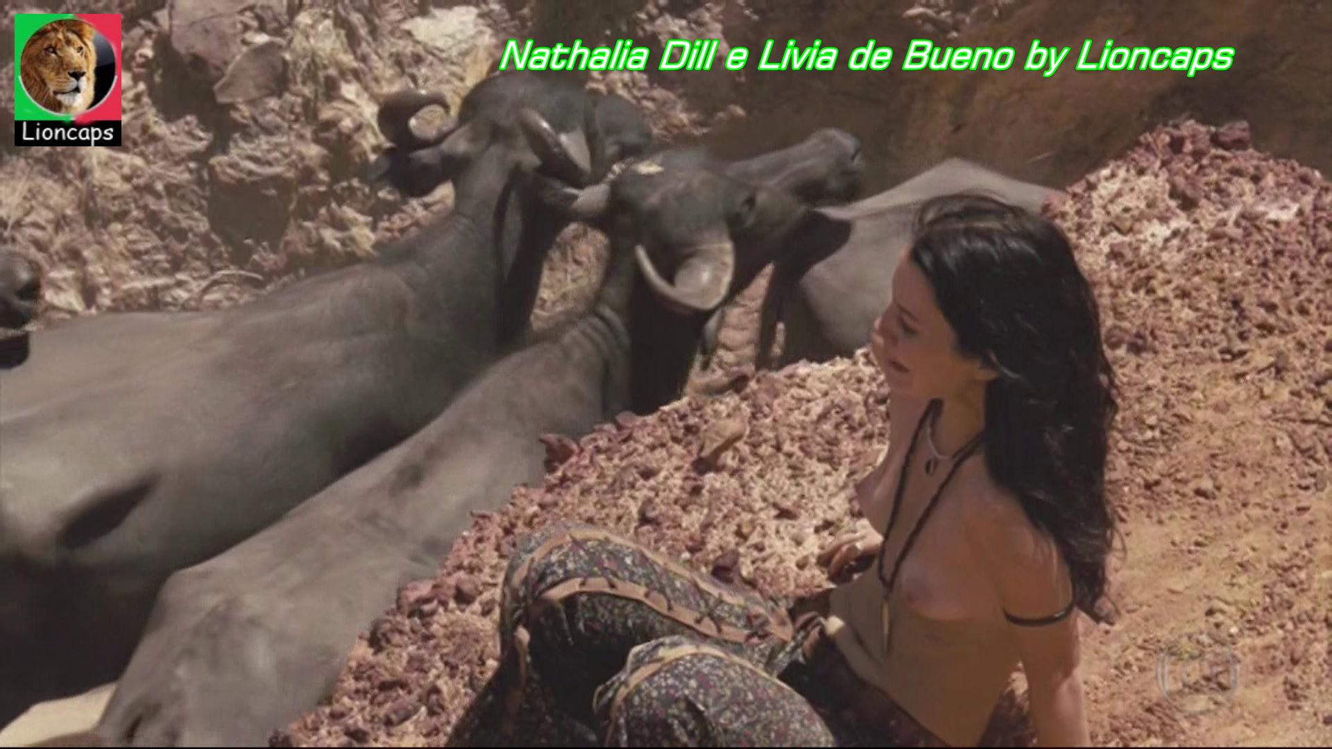 273294612_nathalia_dill_livia_bueno_vs171029_0177_123_252lo.JPG