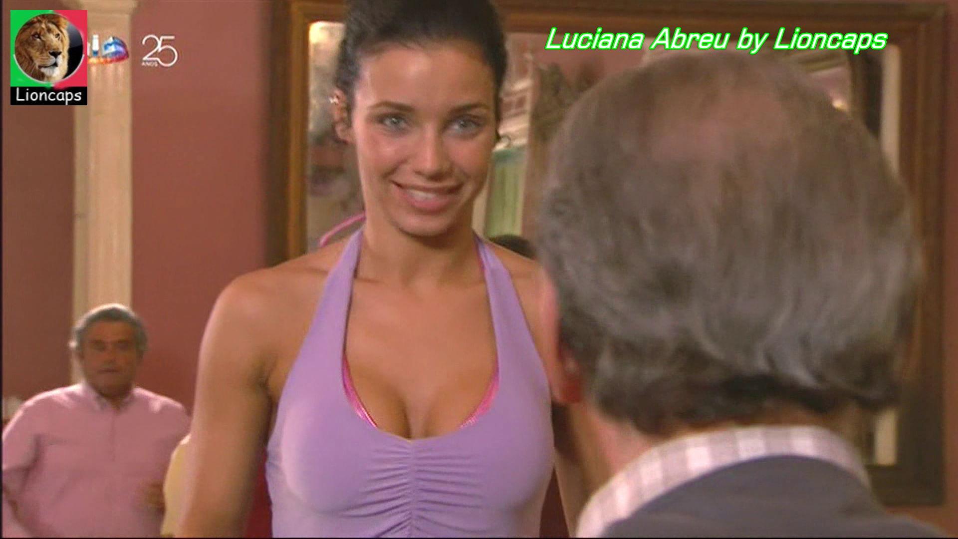 159915773_luciana_abreu_vs170911_0171_122_401lo.JPG