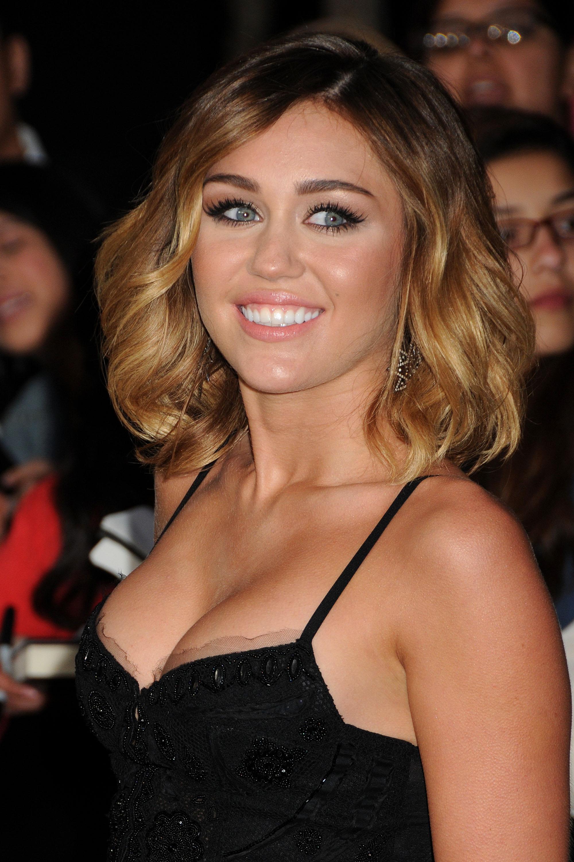 32829_Miley_Cyrus_Adds11_123_424lo.jpg