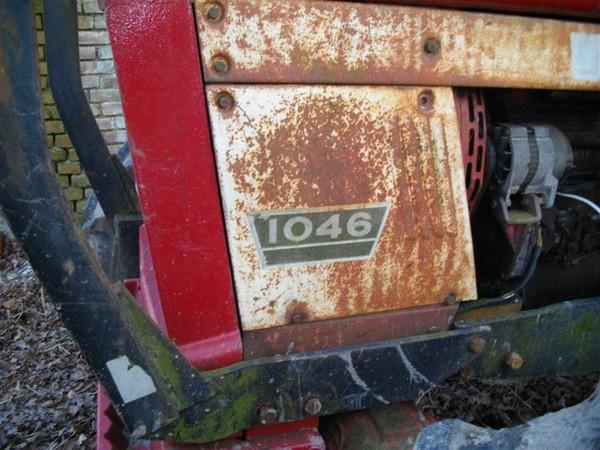 526314520_IHC_International_1046_farm_tractor_122_463lo.jpg
