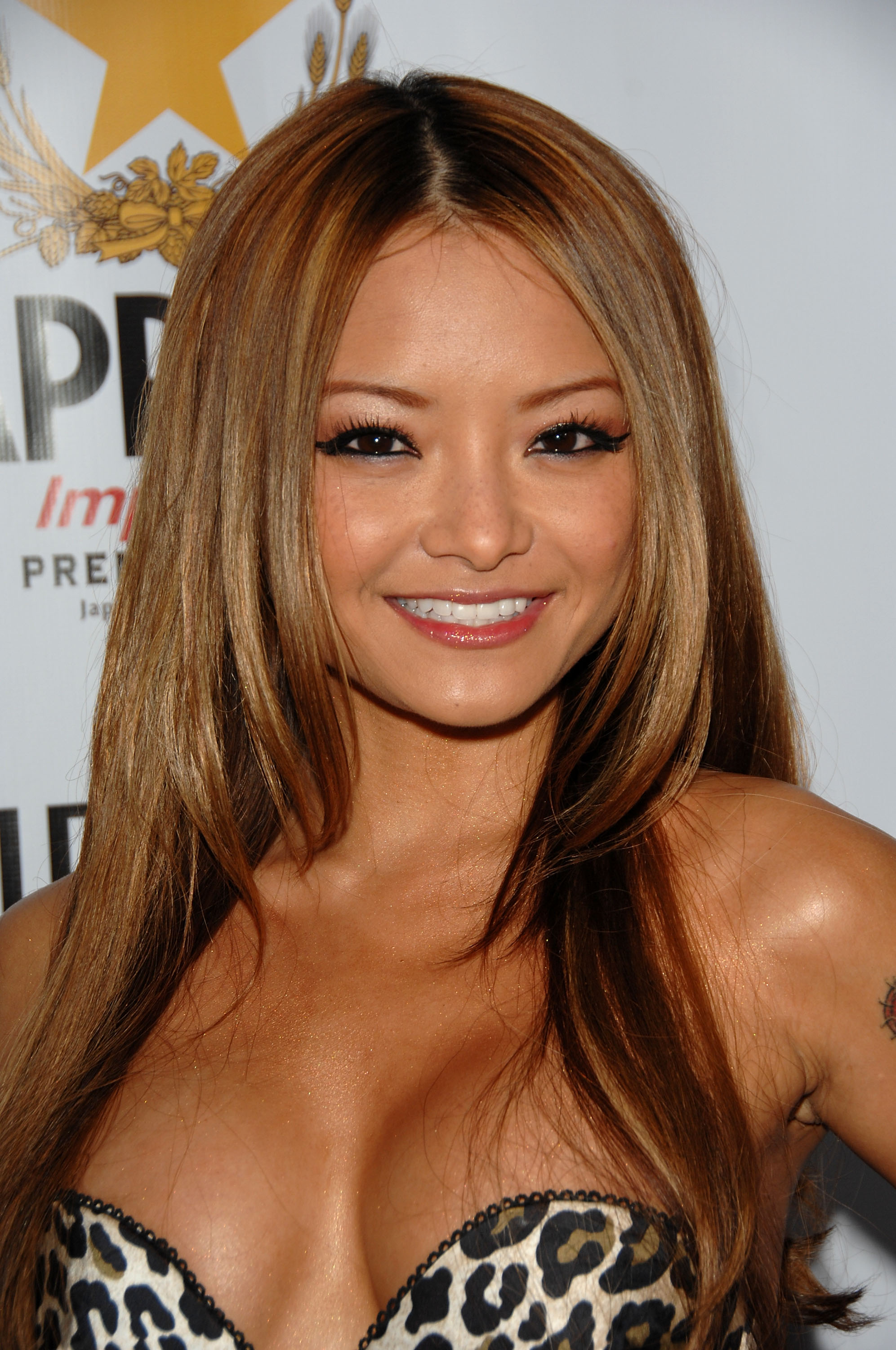 92999_Celebutopia-Tila_Tequila-Los_Angeles_Confidential_Magazine15s_Pre-Emmy_Party-03_122_1174lo.jpg