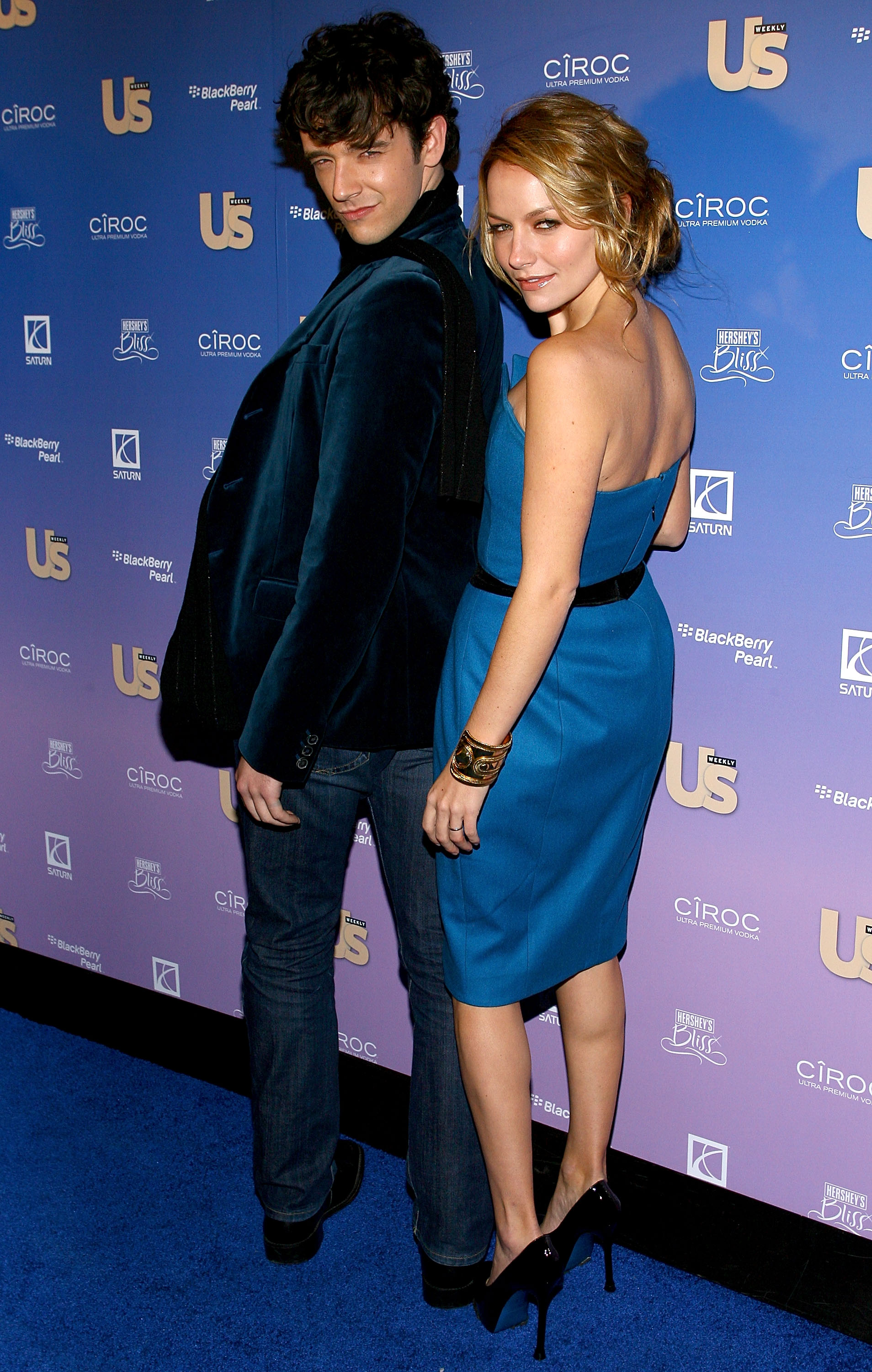 54678_Celebutopia-Becki_Newton-US_Weekly8s_Hot_Hollywood_Issue_celebration-06_122_242lo.jpg