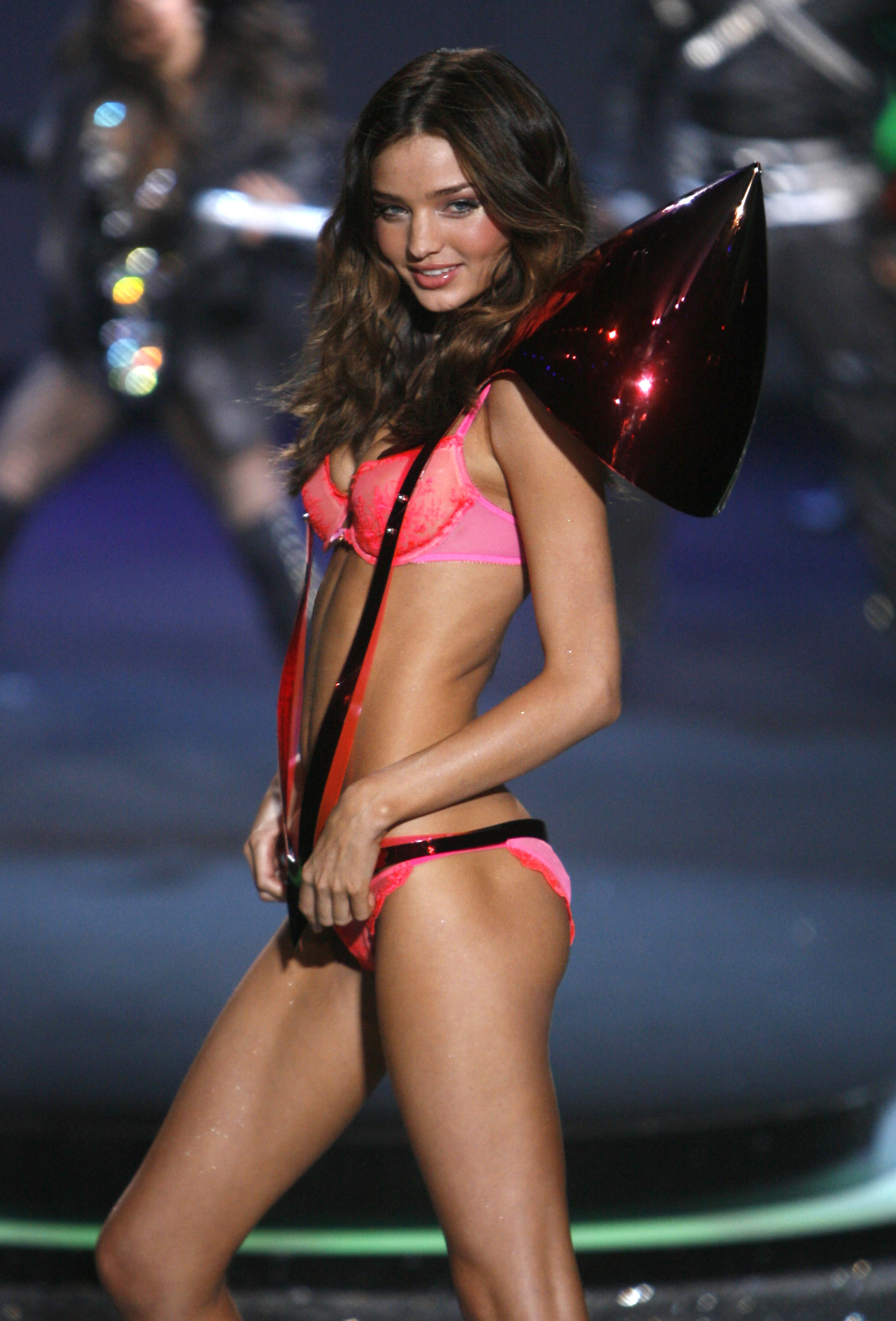 40787_miranda_kerr_VS_Fashion_Show-18_122_421lo.jpg