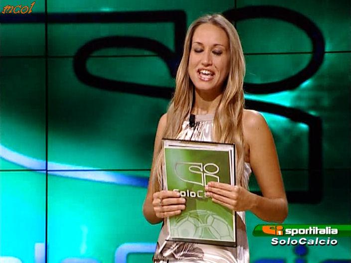 56701_DeborahSchirru_SISoloCalcio_Calciomercato120801_04_122_499lo.jpg