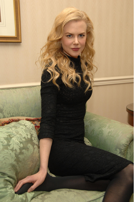 52061_Celebutopia-Nicole_Kidman-Photoshoot_at_The_Waldorf_Astoria_in_New_York-03_122_1031lo.jpg