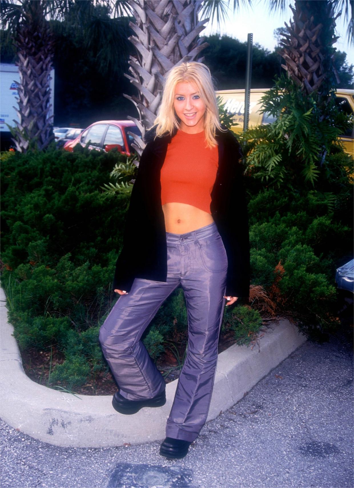 51774_Christina_Aguilera-009417_Disney_MGM_studios_portraits2_2000_122_1200lo.jpg