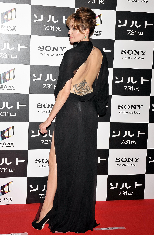 21567_Angelina_Jolie_Salt_Premiere_Tokyo.29_122_211lo.jpg