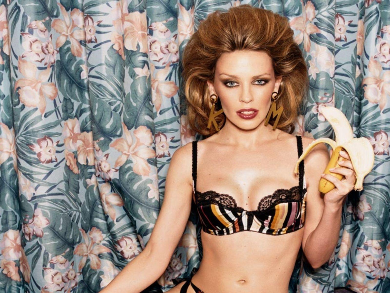 29306_Kylie_Minogue_254_123_716lo.jpg