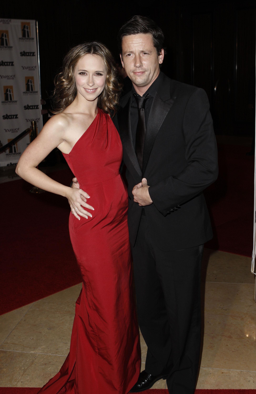 75912_Jennifer_Love_Hewitt_2008-10-27_-_Hollywood_Film_Festival47s_Gala_Ceremony_769_122_181lo.jpg