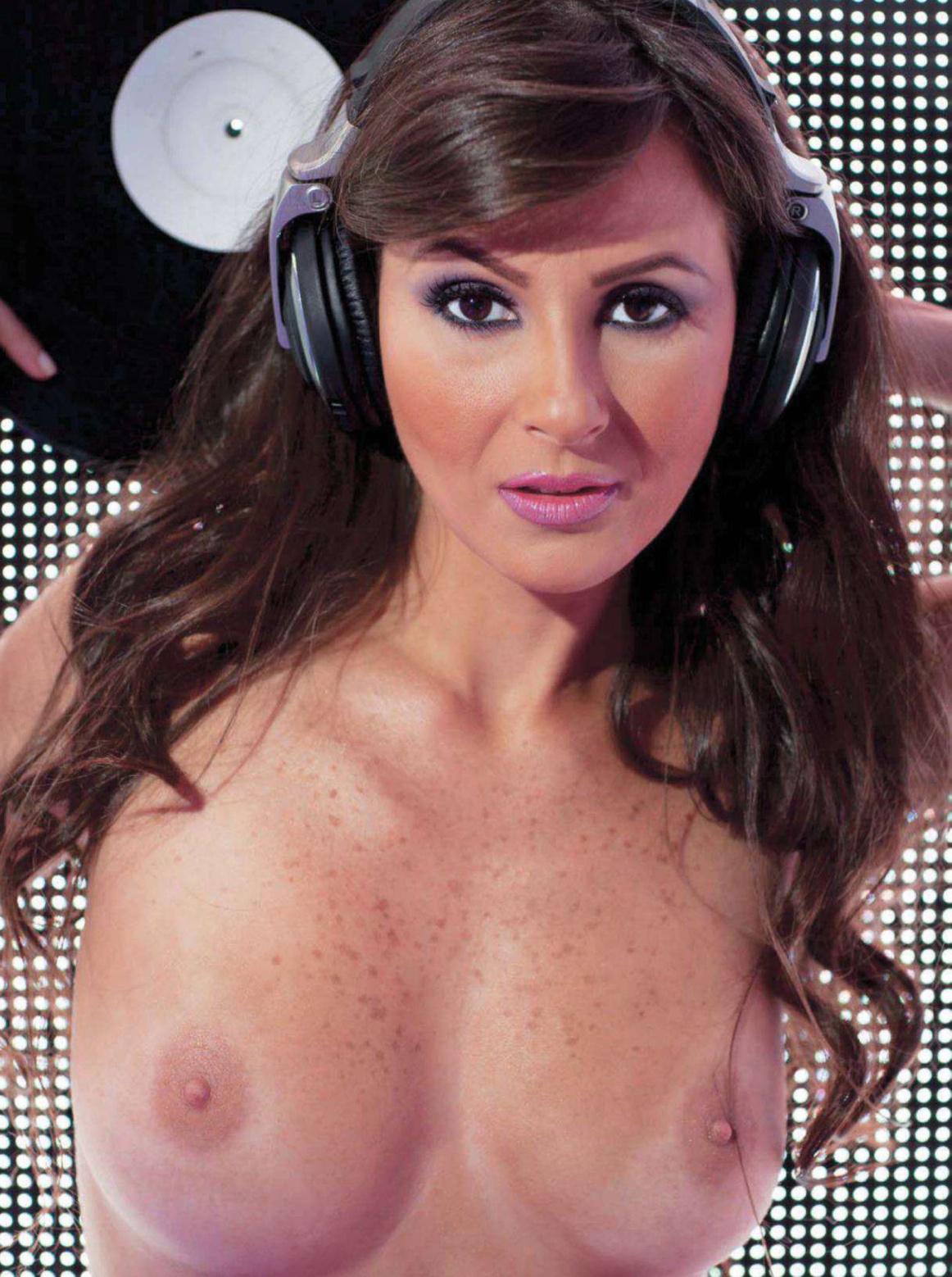 36684_septimiu29_DJAgniezka_PlayboyVenezuela_Sept20127_123_520lo.jpg