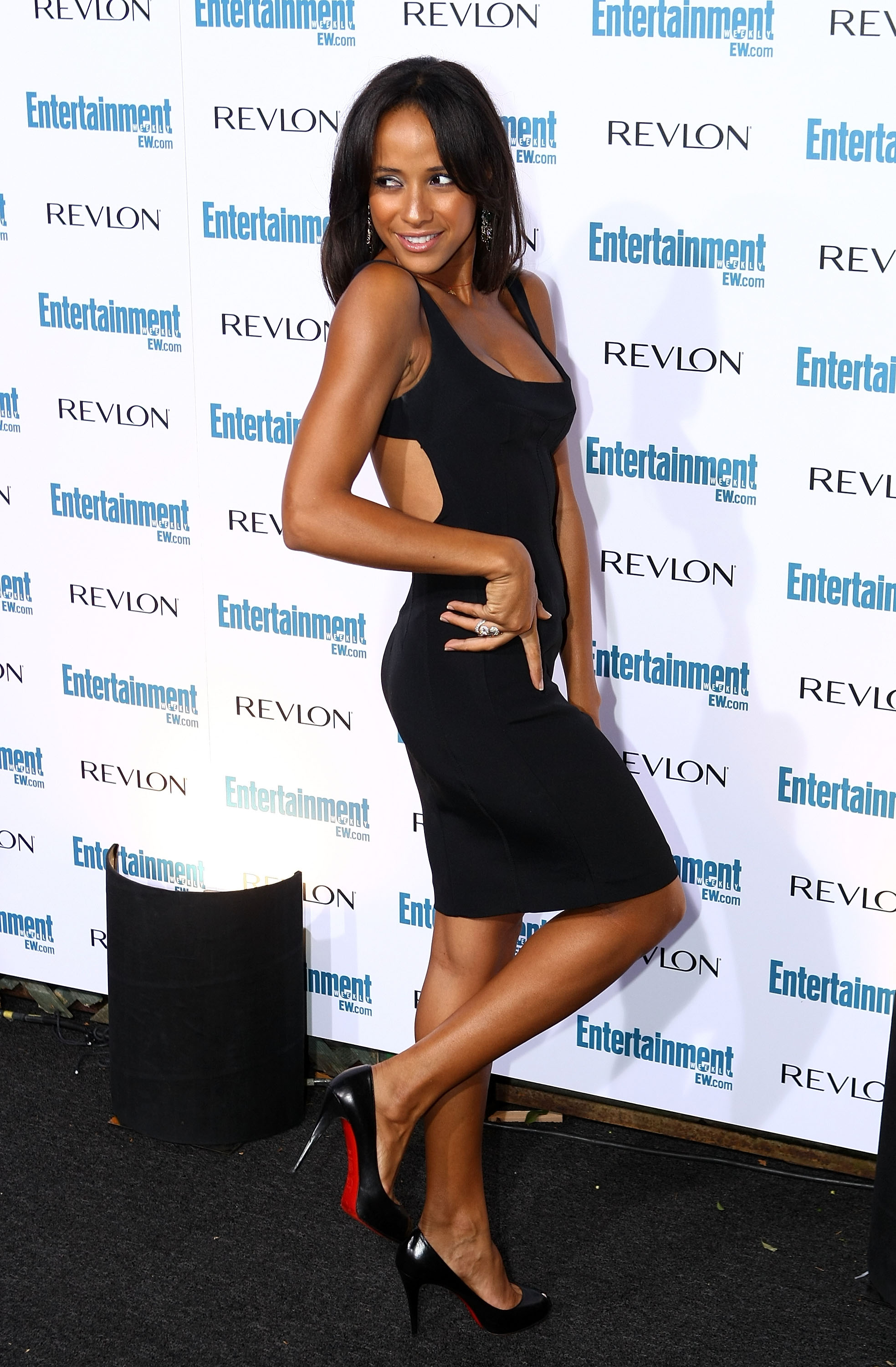 99589_Celebutopia-Dania_Ramirez-Entertainment_Weekly23s_Sixth_Annual_Pre-Emmy_Celebration_party-09_122_411lo.jpg