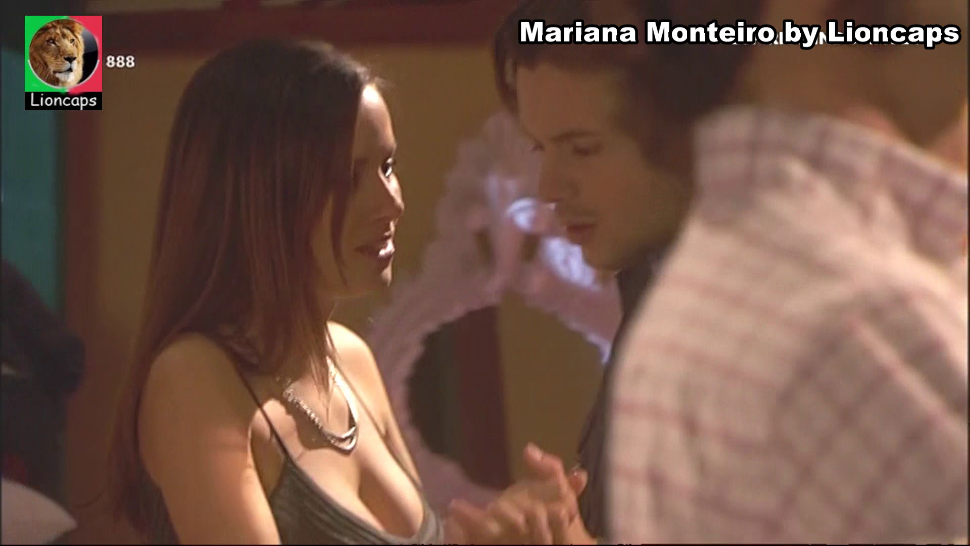 738389434_mariana_monteiro_vs190209_19219_122_386lo.JPG