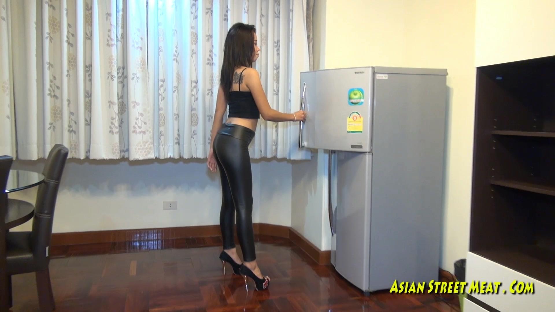 651110667_Asian_Leggings_1080p.mp4_20160831_073450.906_123_39lo.jpg