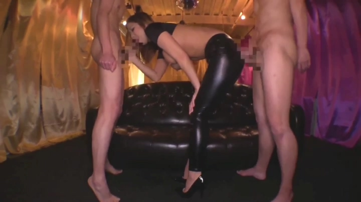 427253804_Asian_Catsuit_and_Leggings.mp4_20190706_181349.485_123_537lo.jpg