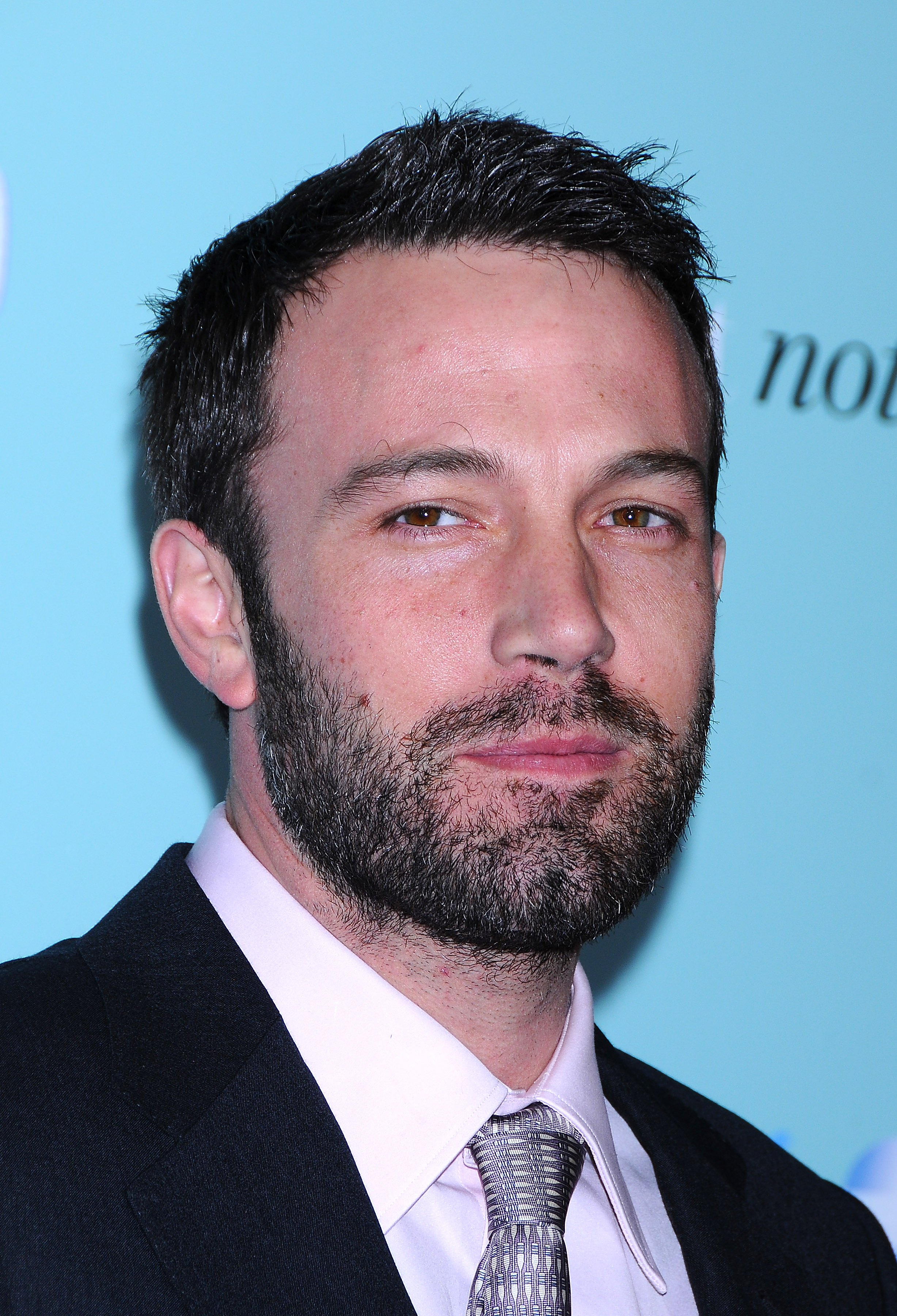 39575_Ben_Affleck_-_Premiere_of_43He72s_just_not_that_into_you71_CU_ISA_01_122_481lo.jpg