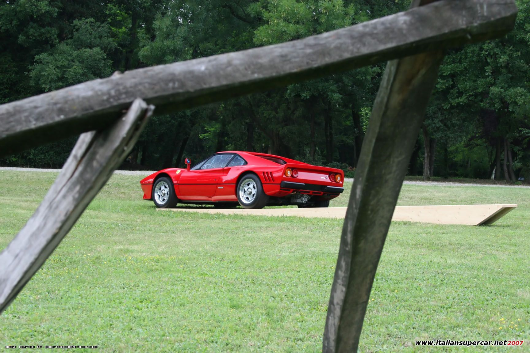 22152_Ferrari_288_GTO_021_122_513lo.jpg