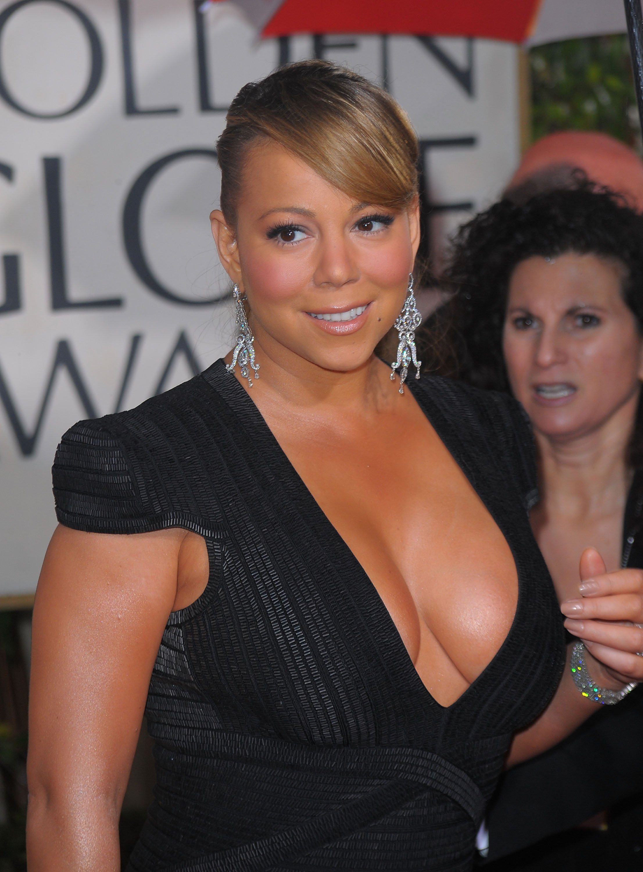 79356_Mariah_Carey_arrives_at_the_67th_Annual_Golden_Globe_Awards_321_122_700lo.jpg