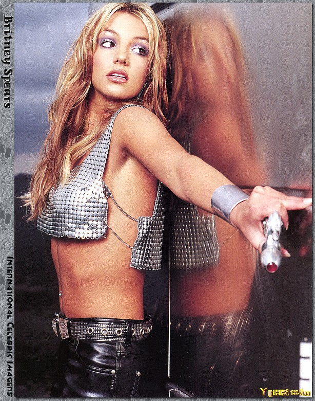 48586_Britney_Spears_-_Ys111__122_390lo.Jpg