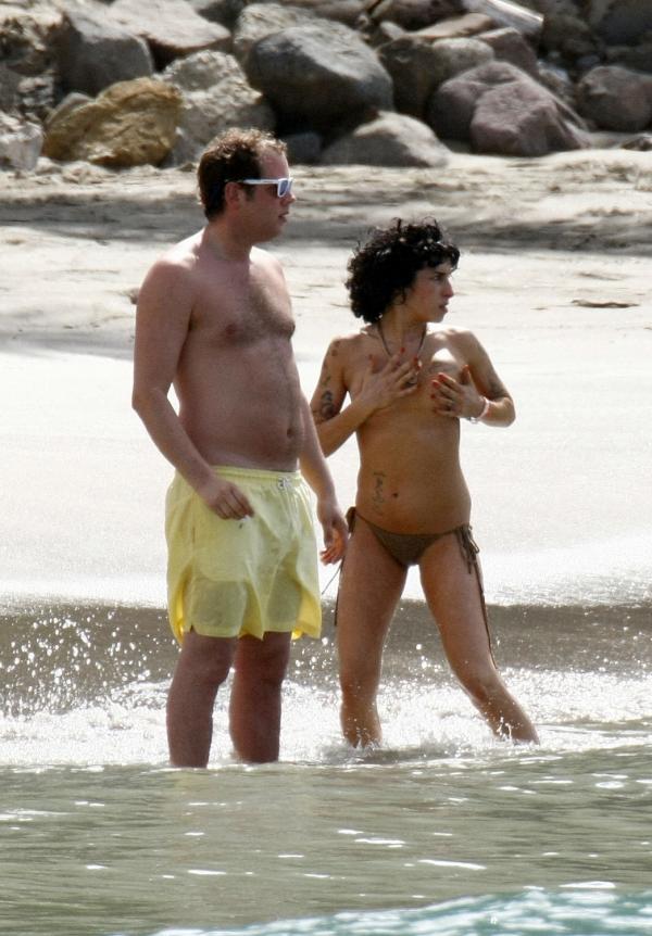 67339_Topless_Bikini_Candid_St_Lucia_Beach_Dec_2008p_123_553lo.jpg
