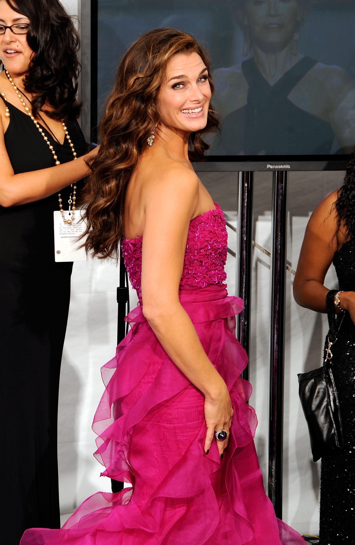 62788_Celebutopia-Brooke_Shields-60th_Annual_Primetime_Emmy_Awards_Press_Room-04_122_121lo.jpg