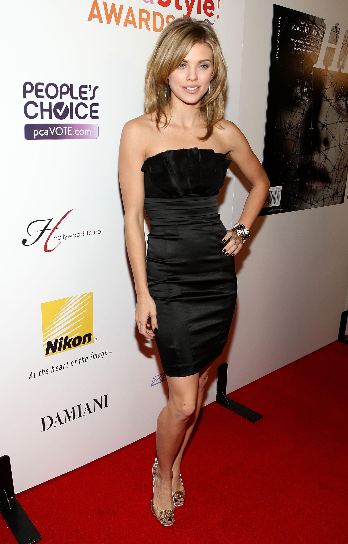 96572_Celebutopia-AnnaLynne_McCord-Hollywood_Life1s_5th_annual_Hollywood_Style_Awards-07_122_92lo.jpg