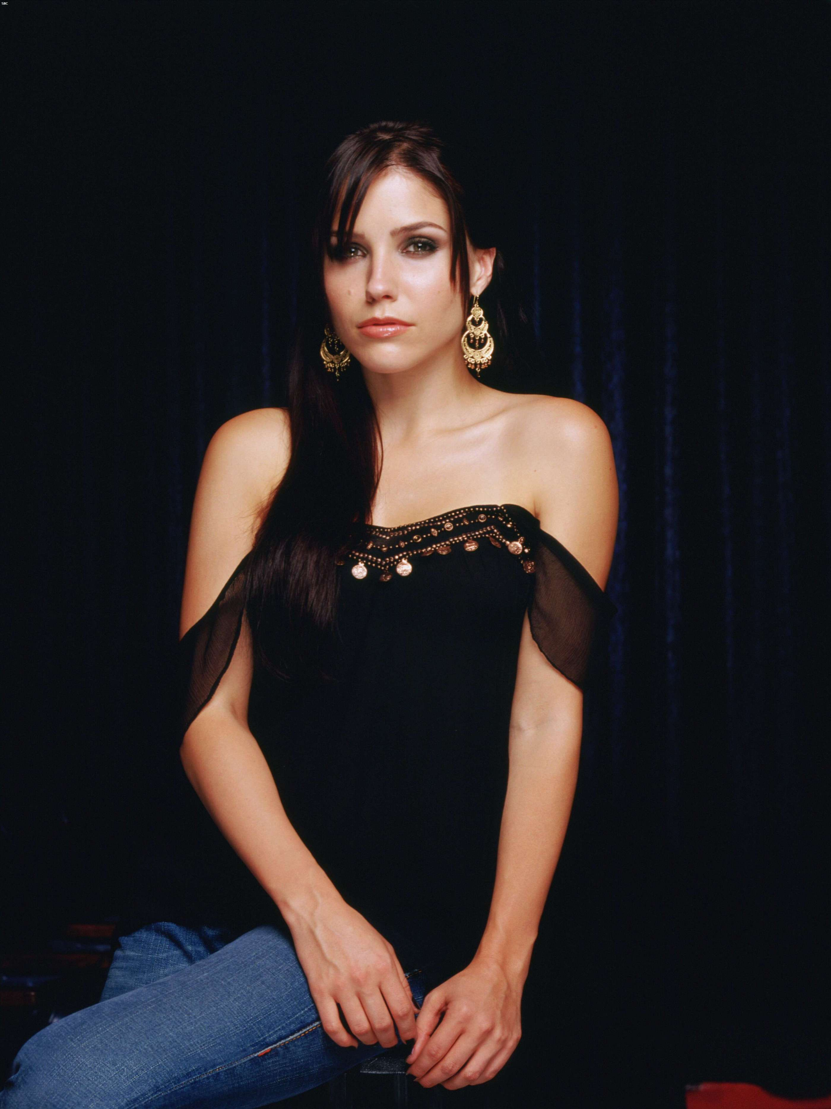 40452_Sophia_Bush_One_Tree_Hill_Promoshooting_007_123_235lo.jpg